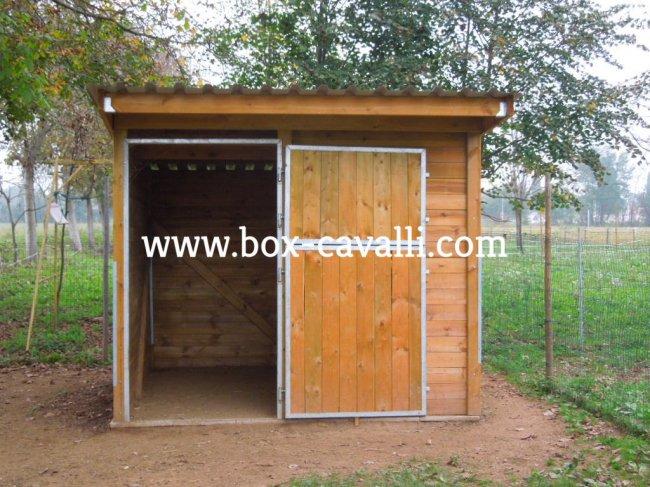 Box cavalli box in legno per cavalli capannine for Box per cavalli usati in vendita
